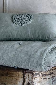 duck egg blue I kacsatojás kék Linen Pillows, Bed Pillows, Cushions, Quilt Pillow, Bed Linens, Linen Fabric, Beige Bed Linen, French Country Bedrooms, Linens And Lace