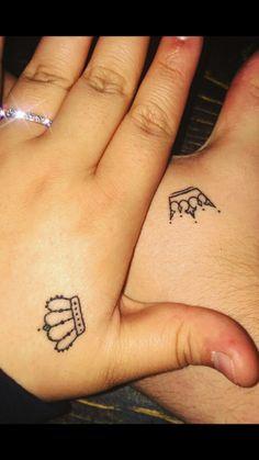 tattoos for women meaningful Tattoo Femeninos, Bff Tattoos, Dope Tattoos, Disney Tattoos, Mini Tattoos, Piercing Tattoo, Body Art Tattoos, Tattos, Simple Crown Tattoo