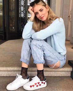 "148.4 mil Me gusta, 822 comentarios - Chiara Ferragni (@chiaraferragni) en Instagram: ""Sunday in Milan @calzedonia #Italianlegwear #calzedonia #ItalianDays"""