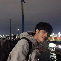 Korean Boys Hot, Korean Boys Ulzzang, Ulzzang Boy, Korean Men, Cute Asian Guys, Asian Boys, Asian Men, Cute Guys, Beautiful Boys