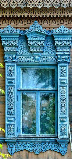 Janela tradicional na decoração russa.