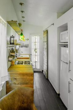 Traveling Techies: Tiny House on Wheels without the loft. Fifth wheel.