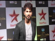 Shahid Kapoor at the red carpet of Star Box Office India Awards 2014.