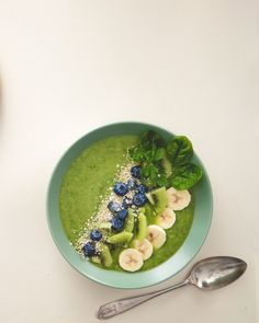 Smoothiebowl | Reseptit | Anna.fi