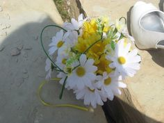 Daisy Bridal bouquet! Very summer inspired wedding!