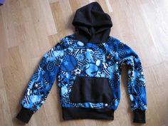 Krea Krumspring: Blå hoodie