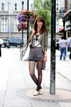 ( link) Dublin streets full of styles and fashion creativity Dublin Street Style, Street Style Women, Cute Fashion, Vintage Fashion, Fashion Outfits, Fashion Black, Fashion Fashion, Fashion Ideas, Ireland Fashion
