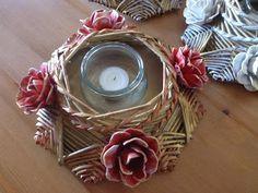 Gerry Creations Stella porta candela a 8 punte. Rose realizzate con i cartoni delle uova.