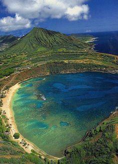 Hanauma Bay with Koko Crater in the Background, island of O'ahu - Hawaii