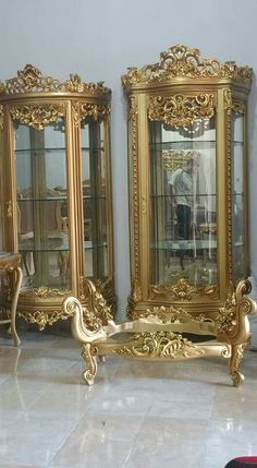 lutfifurniture.com instagram @lutfifurniturejepara Baroque Furniture, Royal Furniture, Gold Furniture, French Furniture, Classic Furniture, Home Decor Furniture, Luxury Furniture, Painted Furniture, Furniture Design