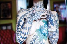 Inescapable Neck Tattoo Designs and Ideas - Beste Tattoo Ideen Full Chest Tattoos, Full Body Tattoo, Side Tattoos, Body Art Tattoos, Small Tattoos, Torso Tattoos, Photomontage, Female Tattoo Models, Tattoo Designs