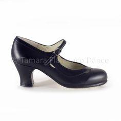 Zapato profesional de flamenco Begoña Cervera modelo Salon Correa piel negro https://www.tamaraflamenco.com/es/zapatos-de-flamenco-profesionales-4