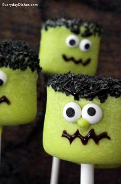 Halloween Frankenstein Marshmallow Pops for Kids Marshmallow Halloween, Marshmallow Pops, Halloween Cookies, Frankenstein, Eat, Holiday, Desserts, Recipes, Kids