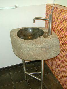 Waschbecken aus Granit mit Edelstahl Untergestell