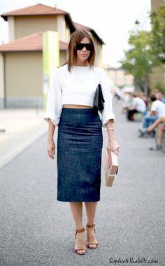 #carineroitfeld #milan #fashion #women #style #skirt #jupe #pencilskirt #crop #cropped #look #outfit #streetfashion #streetstyle #street #women #mode #mfw #fashionweek #mbfw #femme #moda by #sophiemhabille