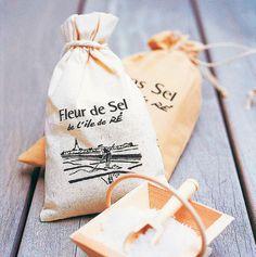 Sachet Toile Fleur de Sel de l' île de Ré  http://www.boutique-iledere.com/PBSCProduct.asp?ItmID=8574297