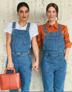 Matchy matchy with Daisy 👯‍♀️ - Say hello to the future of shopping ❤❤ matching with my partner, Daisy! hehe do you like our looks? Overalls Fashion, Overalls Women, Denim Overalls, Dungarees, Fashion Pants, Fashion Shoes, Jeans, Curvy Women Fashion, Womens Fashion