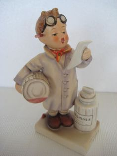 """GOEBEL Hummel Figurine - """"PHARMACIST"""", #322 - TMK5"""