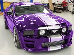 Purple mustang not a ford fan but i want itt so bad! Purple Love, All Things Purple, Shades Of Purple, Purple Stuff, My Dream Car, Dream Cars, Purple Mustang, Mustang Stripes, Automobile
