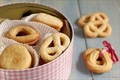 Biscotti danesi al burro: i famosi Danish Butter Cookies Danish Butter Cookies, Pancake Muffins, Biscotti Cookies, Frozen Birthday Party, E 10, Sweet Desserts, Food Inspiration, Cookie Recipes, Biscuits