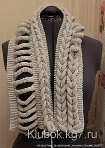 Cabled Hat pattern by Deborah Newton Gilet Crochet, Knit Crochet, Crochet Hats, Crochet Poncho Patterns, Crochet Scarves, Baby Hats Knitting, Loom Knitting, Joining Crochet Squares, Crochet Neck Warmer