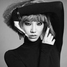 THE 'PARIS IS BURNING': #ModelCode for retreating back to late 80s/early 90s pop'n'lock dance moves a la #Madonna or #JanetJackson; as demonstrated by Soo Joo Park