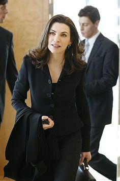 Alicia Florrick The Good Wife Work Wardrobe Julianna Margulies Lawyer