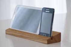 Exclusives Universal Smartphone Tablet PC Ständer von deluxversion auf DaWanda.com