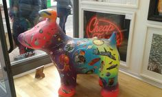 Snow Dogs By The Sea Art Trail in support of Martletts Hospice Brighton 2016. Extra snowdog on display in an Art Gallery's window