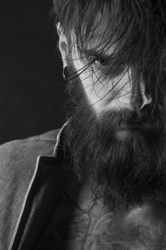 This is an awesome bearded look. Love the hairstyle with the beard. Beard And Mustache Styles, Beard Styles For Men, Beard No Mustache, Hair And Beard Styles, Beard Look, Sexy Beard, Beard Man, New Beard Style, Beard Tips