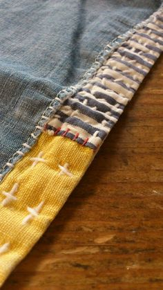 I love the craftsmanship in Japanese hand sashiko stitching and shibori dyeing. Sashiko Embroidery, Japanese Embroidery, Embroidery Art, Embroidery Stitches, Boro Stitching, Hand Stitching, Tricot D'art, Visible Mending, Japanese Textiles