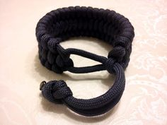 Derweesh Paracord Bracelet (Step by Step Instructions) from the SoulSamurai blog