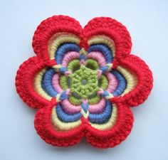 Lovely flower with tutorial and English translation. This is a work of art!!!