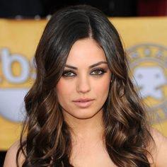 mila kunis loose waves love her hair and eyebrows