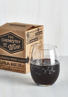 Pour-ganic Chemistry Wine Glass - From the Home Decor Discovery Community at www.DecoandBloom.com