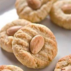 Εργολάβοι Greek Sweets, Greek Desserts, Greek Recipes, Greek Cookies, Almond Cookies, Bar Cookies, Food Truck Desserts, Dessert Recipes, Greek Yogurt Breakfast