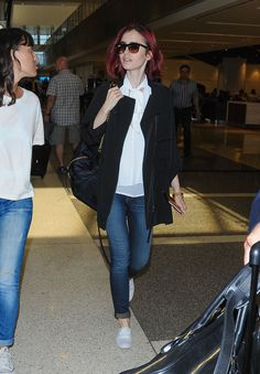lily-collins-travel-outfit-lax-airport-in-los-angeles-7-9-2016-8.jpg (1280×1844)