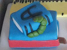 Detail on the cake for a teacher - bookworm! Book Worms, Baked Goods, Teacher, Baking, Detail, Heart, Cake, Professor, Pastel