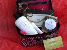 Three Pears Breeze Gift Bags by ThreePearsBreeze on Etsy, $15.00  Awesome way to try a variety of their products :)
