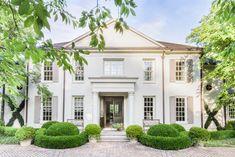 Большой дом для счастливой жизни в США Этот большой загородный дом в американском штате Теннесси построен, кажется, для �...  #американскийстиль #загородныйдом #классика #натуральныематериалы #пастельныетона