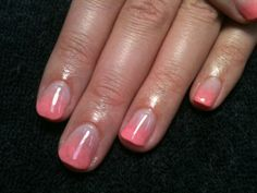 Gel Nails | Pink ombré gel nail:)