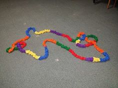 SING-PLAY-CREATIVELY: STRETCHING LEARNING WITH STRETCHY BANDS