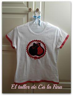 """Camiseta flamenca """"Castañuelas"""" http://eltallerdecalafina.blogspot.com.es/2015/05/camisetas-flamencas-en-el-rocio.html"""