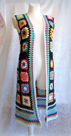 Hippie crochet Granny square vest made of cotton yarn. on the mannequin size L length off the shoulder Choose the size and color of the edging vest 1 - white edging 2 - black edging Made to order - days. Crochet Jacket Pattern, Crochet Coat, Crochet Cardigan Pattern, Crochet Shawl, Crochet Clothes, Crochet Hippie, Pull Crochet, Mode Crochet, Point Granny Au Crochet
