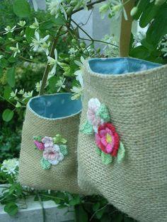 burlap bags (Crochet flowers)