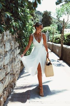 White V-neckline Boho prom Dress – classygown Chic Summer Outfits, Summer Chic, Vacation Outfits, Spring Summer Fashion, Honeymoon Outfits, Holiday Outfits, Cute Casual Outfits, Summer Beach, Chic Outfits