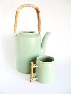 Ceramic tea kettle set (Etsy)