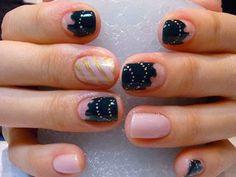 Creepy Crawler Nail Look - http://yournailart.com/creepy-crawler-nail-look/ - #nails #nail_art #nails_design #nail_ ideas #nail_polish #ideas #beauty #cute #love