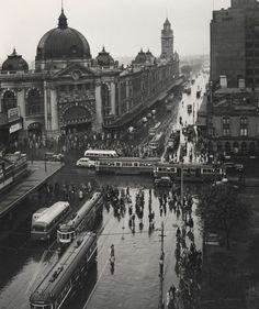 Max DupainMelbourne with rain 1946