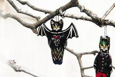 Black cat ornament Folk art cat ceramic figurine Halloween Halloween Trees, Folk Art, Ceramics, Ornaments, Unique Jewelry, Handmade Gifts, Cats, Vintage, Black